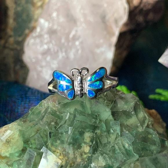 🌹NWT Sterling silver blue Zuni opal butterfly